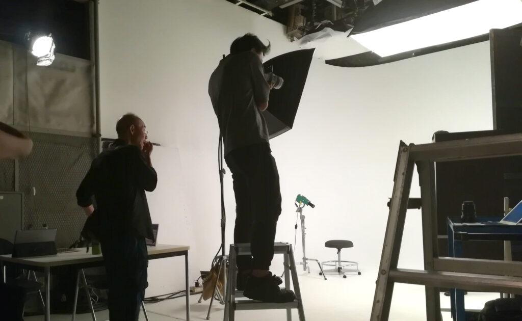 スタジオでの写真撮影のイメージ